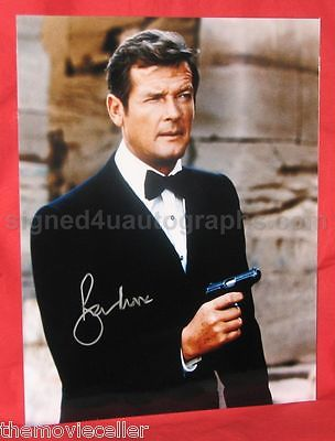 ROGER MOORE SIGNED JAMES BOND LARGE 14x11 PHOTO  CERTIFIED AUTHENTIC. BOND 007